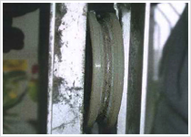 戸車の磨耗